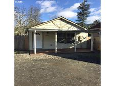 125 Brewer Ln, Winchester, OR 97495