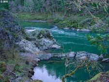 4 River Vista Ct, Idleyld Park, OR 97447