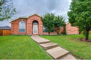 1131 Hidden Ridge Dr, Mesquite, TX 75181