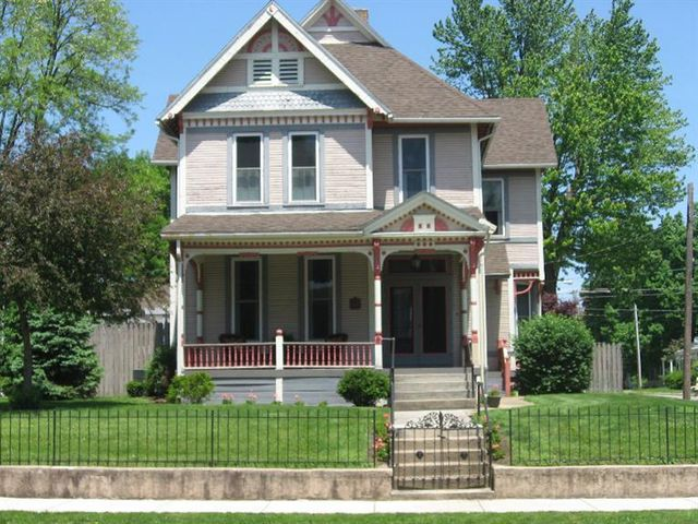 245 E Locust St Wilmington Oh 45177 Home For Sale And