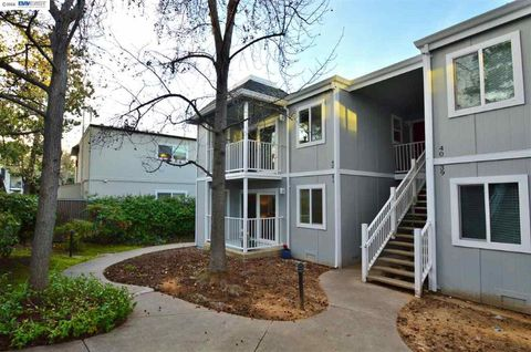 1576 Sunnyvale Ave Apt 41, Walnut Creek, CA 94597