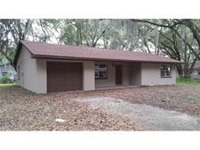 3003 N Willow Dr, Plant City, FL 33566