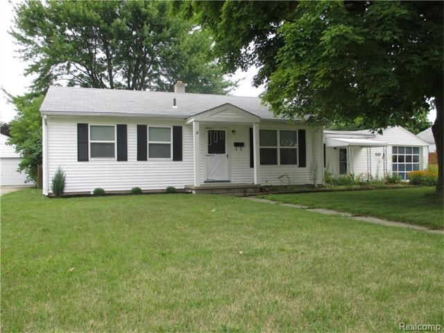 21830 mckinley st rockwood mi 48173 home for sale and real estate listing