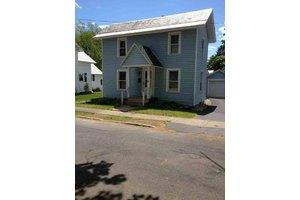 17 Auburn Pl, Glens Falls, NY 12801