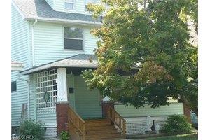 18314 Landseer Rd, Cleveland, OH 44119