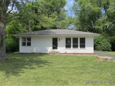 9957 South Rd, Fairview Heights, IL 62208