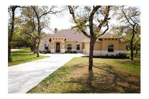 111 Quarry Lake Estates Dr, Liberty Hill, TX 78642