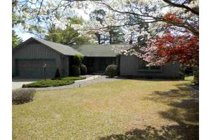 106 Swan Run Ct, Seven Lakes, NC 27376