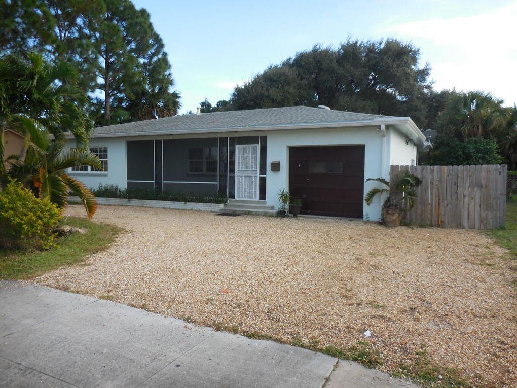 328 Park Ave Lake Park FL 33403