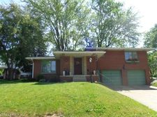 1134 Monument Rd Nw, Canton, OH 44703