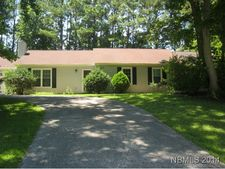 805 Stately Pines Rd, New Bern, NC 28560