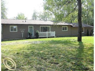 13822 Lone Tree Rd, Milford, MI