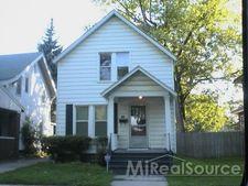 155 Clinton St, Mount Clemens, MI 48043