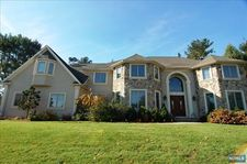 2 Mckittrick Ct, Old Tappan, NJ 07675