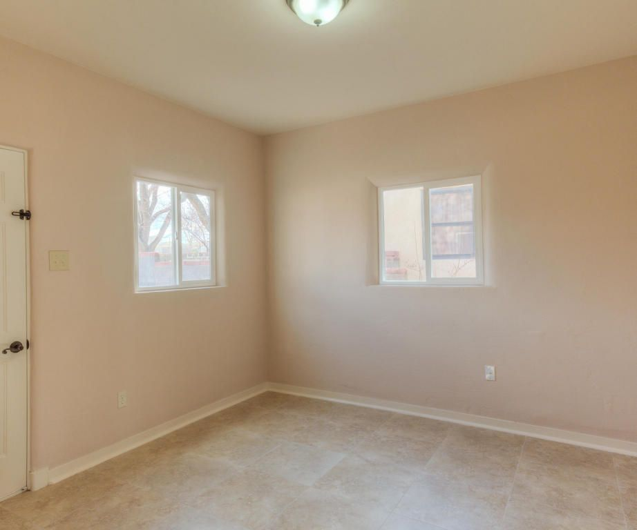 pictures of small bathrooms with tile 1412 jefferson st ne albuquerque nm 87110 realtor 174 25679