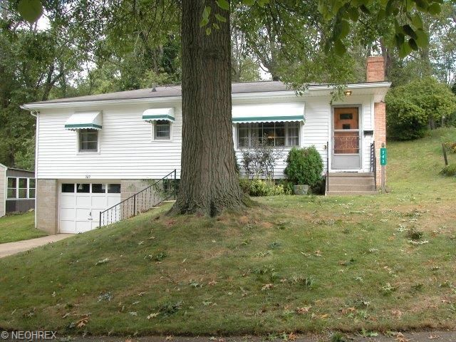 747 Western Dr Wooster, OH 44691