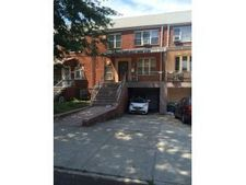6116 70th St, Flushing, NY 11379