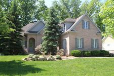 270 Turnberry Dr, Valparaiso, IN 46385