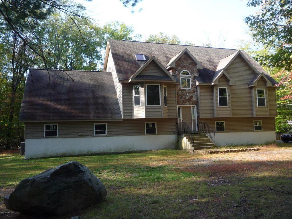 2162 Lake Dr, Henryville, PA 18332