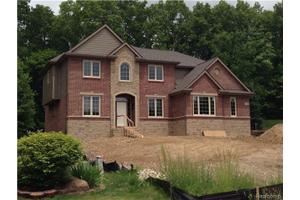 5649 Golf Pointe Dr, Independence Twp, MI 48348