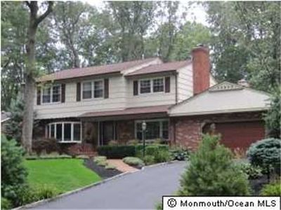 4 Brandywine Dr, East Brunswick, NJ