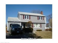 11 Newport Dr, Bloomfield, CT 06002