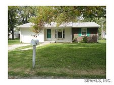 204 W Poos Dr, New Baden, IL 62265
