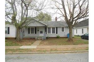 825 Green St, Salisbury, NC 28144