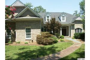 300 Porters Gln, New London, NC 28127