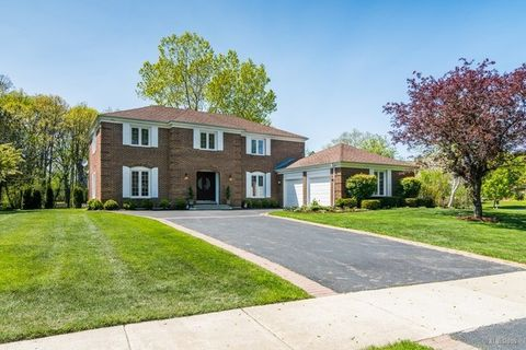 560 Buena Rd, Lake Forest, IL 60045