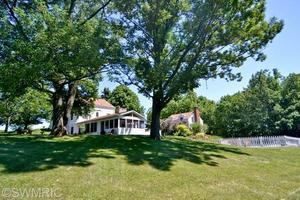 15488 Boyle Lake Rd, Buchanan, MI