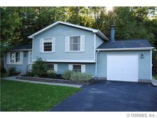 3227 Woods Edge, Walworth, NY 14568