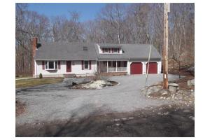 61 Cummings Rd, Swansea, MA 02777