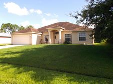 1372 Sw Crest Ave, Port Saint Lucie, FL 34953