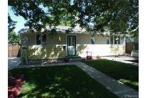 581 Cuchara St, Denver, CO 80221