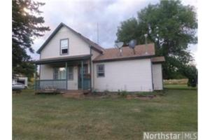11915 Dahl Rd, Hinckley, MN 55037