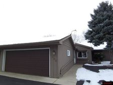 1622 Nottingham Dr, North Mankato, MN 56003