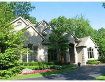 7284 Hiddenbrook Ln, Bloomfield Hills, MI 48301