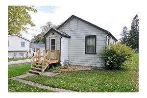 34761 N Holman Ave, Ingleside, IL 60041