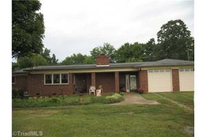 2788 Fuller Mill Rd N, Thomasville, NC 27360