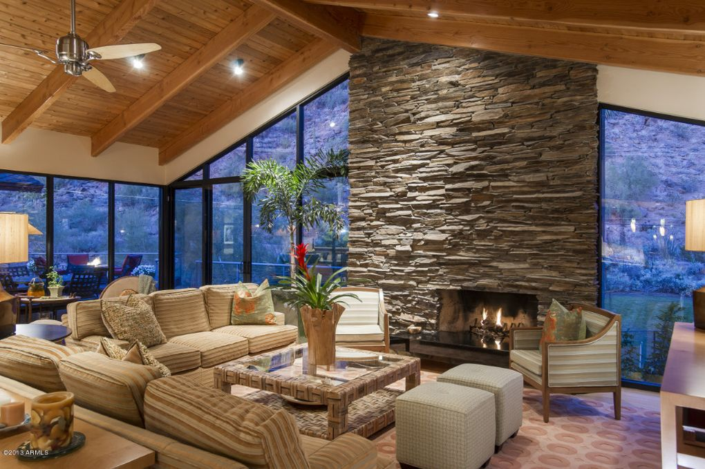Huge  Sq Ft Family Room Decorating Ideas