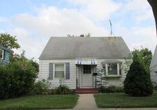 5262 N 61st St, Milwaukee, WI 53218