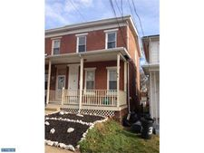 35 S Sycamore Ave, Clifton Heights, PA 19018