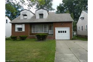 10230 Beaconsfield Dr, Parma Heights, OH 44130