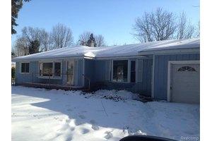 4913 Taft Rd, Clay Township, MI 48001