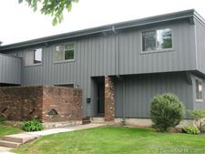 121 Webster Ct, Newington, CT 06111
