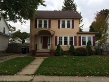 2427 8th St, Cuyahoga Falls, OH 44221