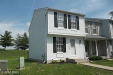 40 Triple Crown Ct, Windsor Mill, MD 21244