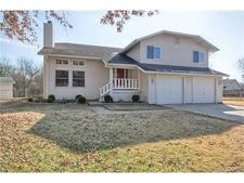 14 Northstar Ct, Saint Peters, MO 63376