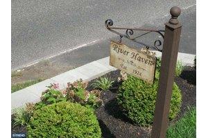37 N Delaware Ave, Yardley, PA 19067